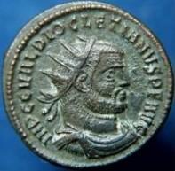 De Romeinse Mithraïsche 'Soldatenkeizers' afgebeeld met Zonnehoed